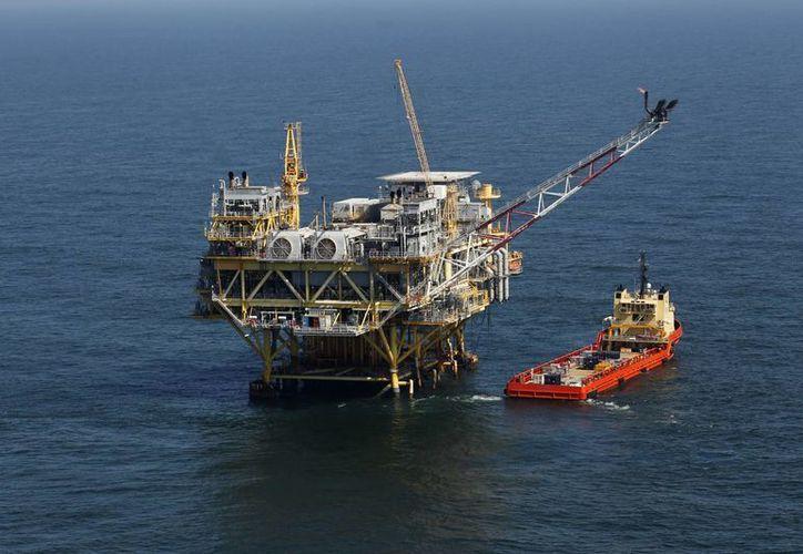 La Sener declaró que  los recursos petroleros de México no se van a dar a un precio menor al que se debe. Imagen de contexto. (Archivo/AP)