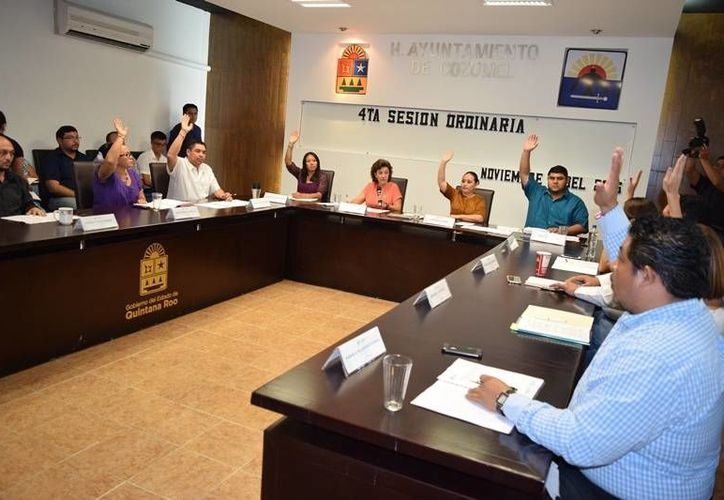 Sólo tres regidores respondieron a la convocatoria de entrevista enviando información por escrito. (Foto: Gustavo Villegas)