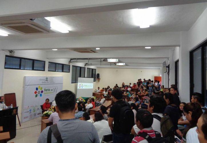 Los estudiantes y público en general podrán recibir ideas, experiencias y propuestas de negocio. (Ángel Castilla/SIPSE)
