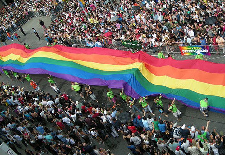 La comunidad LGBT californiana fue la encargada de impulsar la ley, presentada por los senadores Toni Atkins y Scott Wiener, ambos del Partido Demócrata encargados de representar a San Diego y San Francisco. (Love Valencia/Contexto)