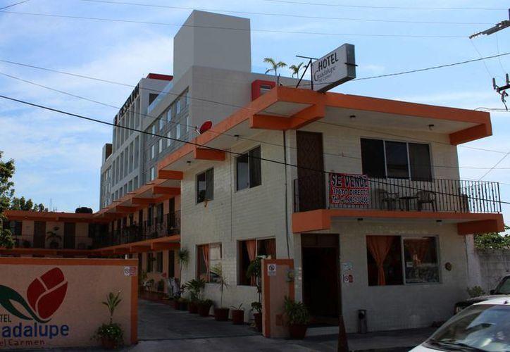 En Chetumal están a la venta tres centros de hospedaje. (Ángel Castilla/SIPSE)