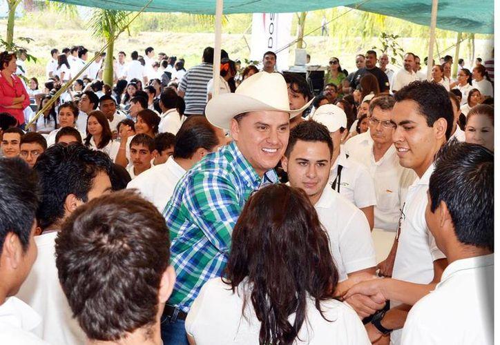 El INE indicó que el 'mensaje navideño' del gobernador Roberto Sandoval 'trastoca los principios de imparcialidad'. (Facebook/Gobierno de Nayarit)