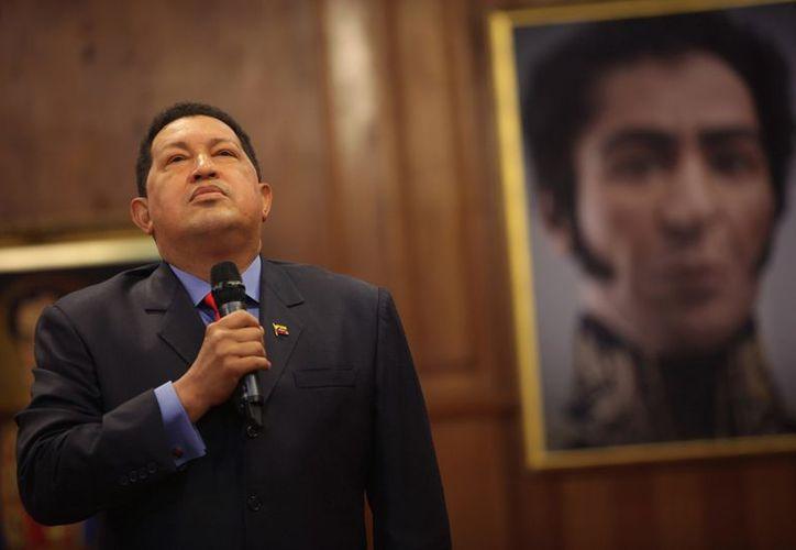 Hugo Chávez logró una tercera reelección en los comicios del 7 de octubre tras una intensa campaña electoral. (Agencias)