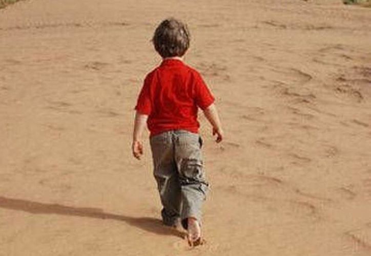 Los 3 niños estuvieron deambulando unos 45 minutos bajo un calor de más de 30 grados centígrados en el desierto. (Agencias/Archivo)