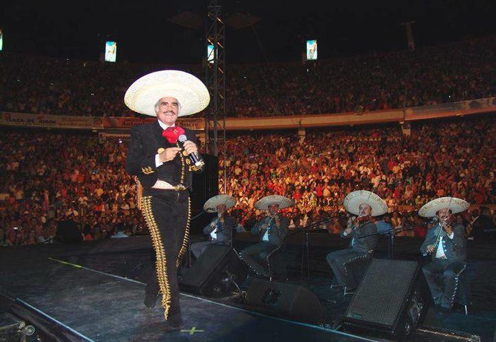 El rey de la música ranchera dirá adios a los escenarios el próximo 16 de abril en el Estadio Azteca. (Facebook: Vicente Fernández)