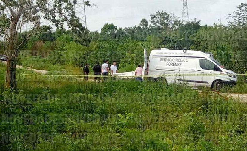 El cuerpo fue trasladado al Servicio Médico Forense para la necropsia de ley. (Eric Galindo/SIPSE)