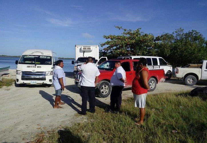 Personal de Protección Civil acudió a apoyar a los pescadores. (Benjamín Pat/ SIPSE)