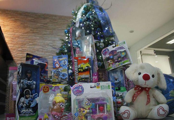 La campaña 24x24, ha logrado acumular 582 juguetes en Chetumal. (Harold Alcocer/SIPSE)