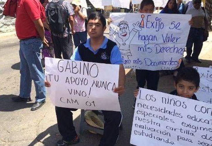 El dirigente de la sección 59 de la SNTE se quejó del trato discriminatorio que reciben por parte del gobierno de Oaxaca. (Milenio)