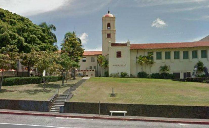 No se confirmó si el herido era estudiante de la escuela  secundaria Roosevelt, de Honolulu. (Internet)