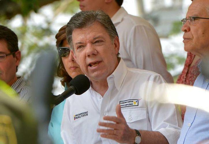 El presidente de Colombia, Juan Manuel Santos, anunció hoy cambio en la cúpula de las Fuerzas Militares por el escándalo de una red de corrupción que implicó a altos oficiales del ejército colombiano. (Notimex)
