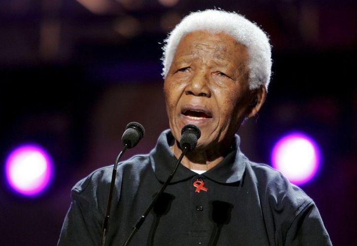 Mandela está bajo permanente vigilancia médica en su residencia de Qunu. (EFE)