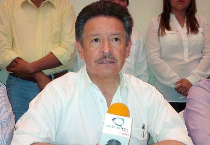 Carlos Navarrete insistió en su recomendación a los candidatos del PRD de tomar medidas preventivas por las elecciones. (Archivo/Notimex)
