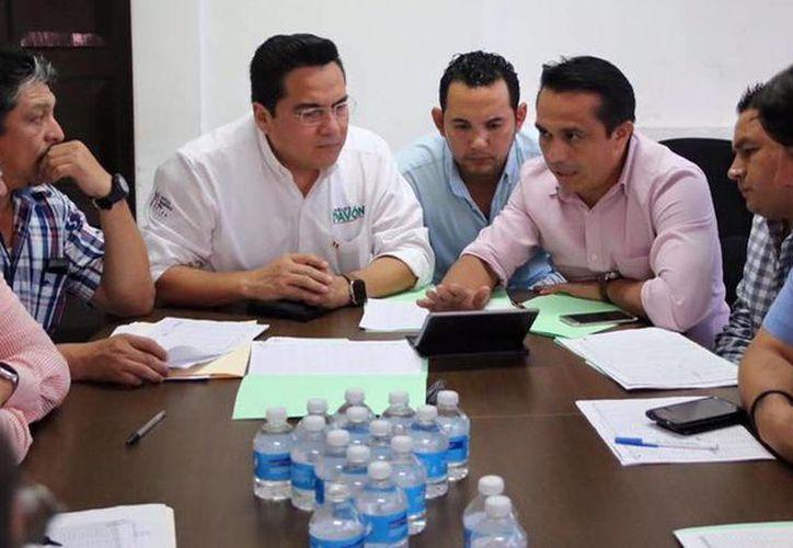 Las cúpulas municipal y estatal del PRI se reunieron. (Milenio Novedades)