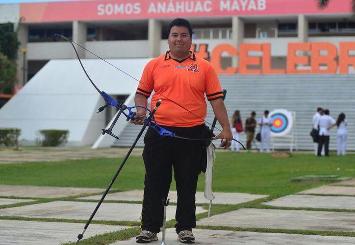El arquero Pedro Vivas fue elegido para recibir el Mérito Deportivo Yucateco 2014 por amplia votación. (Milenio Novedades)