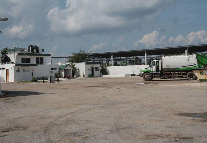 El predio está ocupado para resguardo de vehículos y oficinas administrativas. (Julián Miranda/SIPSE)
