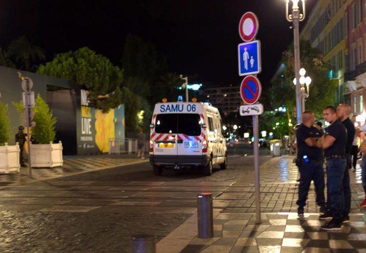 Hasta el momento se desconoce la identidad del autor del ataque en la ciudad costera de Niza, en Francia. (EFE)
