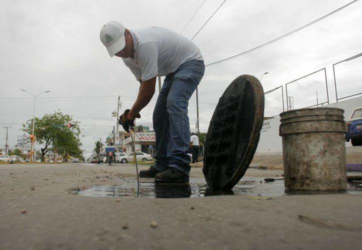 Durante la temporada de lluvias, se mantendrán bajo vigilancia al menos 25 puntos críticos de la capital. (Harold Alcocer/SIPSE)