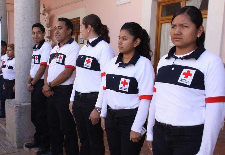 Gracias a 42 mil voluntarios, el gasto operativo de bla Cruz Roja es de menos de 4 por ciento. (Archivo/NTX)