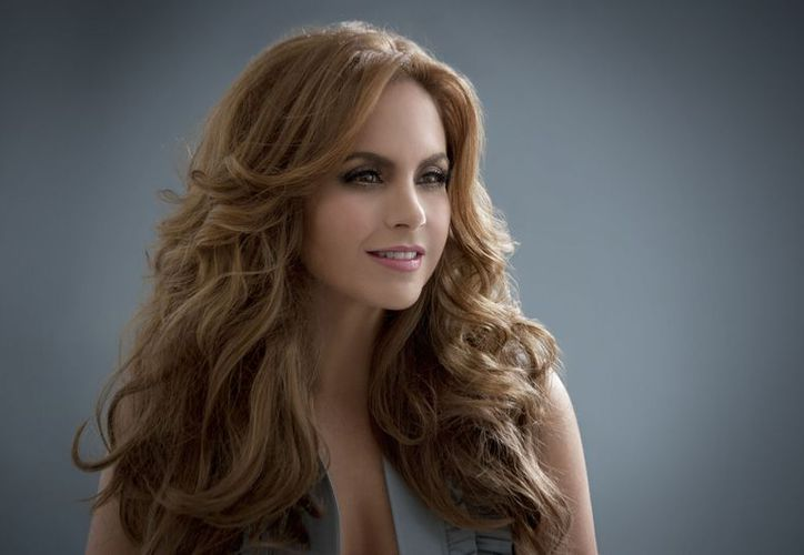 Lucero dijo que quiere repetir dueto con 'El Sol', a quien conoce de toda la vida. (Foto: Contexto/Internet)