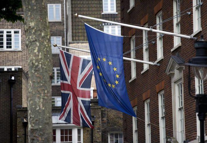 Diputado laborista propuso 'detener la locura del 'brexit'' y que el Parlamento 'soberano' revierta el resultado de la consulta. (AP)