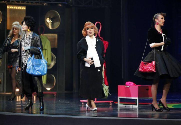 La obra de teatro Mentiras suma más de mil 800 representaciones en 5 años. (Notimex)