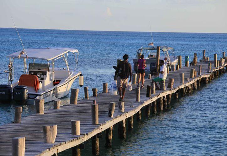 Los prestadores de servicios turísticos cada año piden más permisos. (Luis Soto/SIPSE)