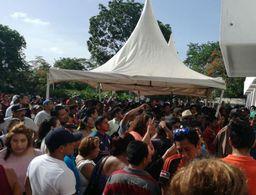 Más de 400 protestan en Cancún por cierre de casilla especial