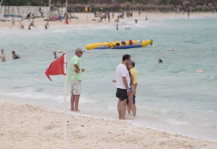Los cinco mil bañistas representan el 33 por ciento de los 15 mil que llegaron en un sólo día en el mes de diciembre pasado. (Adrián Barreto/SIPSE)