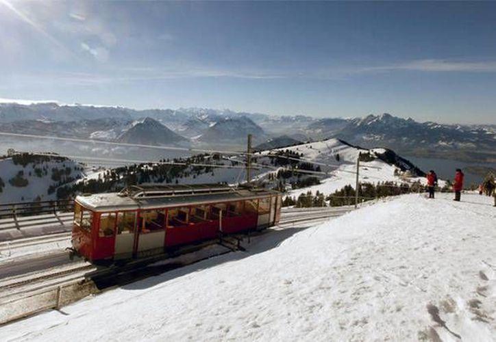 La ferroviaria suiza Rigi Banhen asegura que los visitantes chinos podrán seguir transportándose en los demás trenes del sistema. (RT)