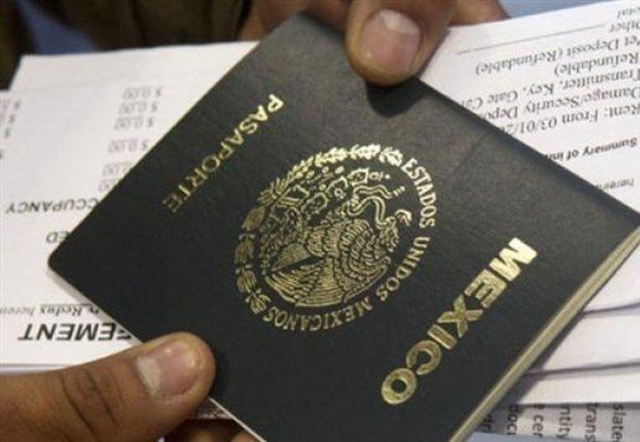 La tarifa del pasaporte tiene 50 por ciento de descuento para mayores de 60 años. (Contexto)