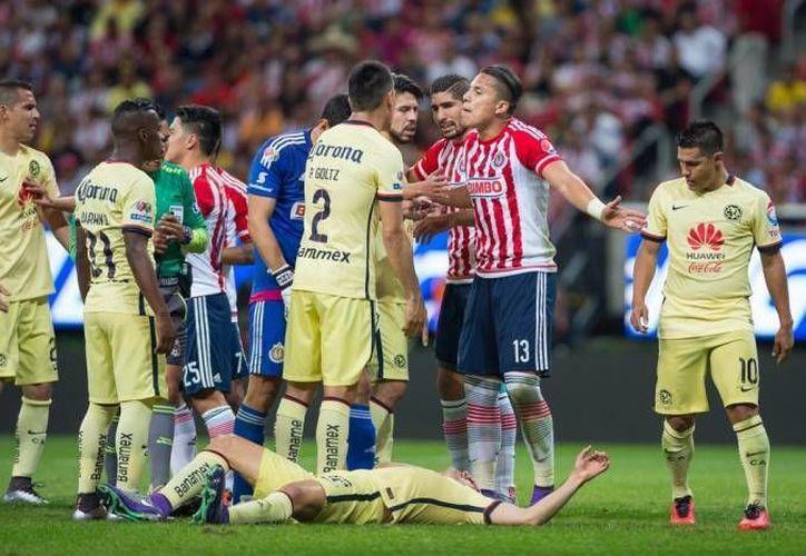 El Clásico Nacional entre América y Chivas se jugará para el próximo torneo en la jornada siete, en el estadio Azteca. (Archivo/ Mexsport)