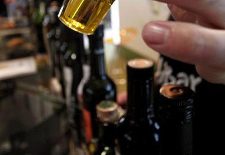 Las bebidas que más se adulteran en México de acuerdo a cifras oficiales son el tequila, ron, brandy, coñac y whisky. (Archivo/Notimex)