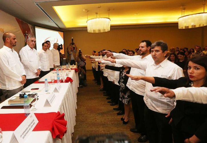 Toma de protesta de la nueva directiva local del Instituto Mexicano de Ejecutivos de Finanzas. (SIPSE)
