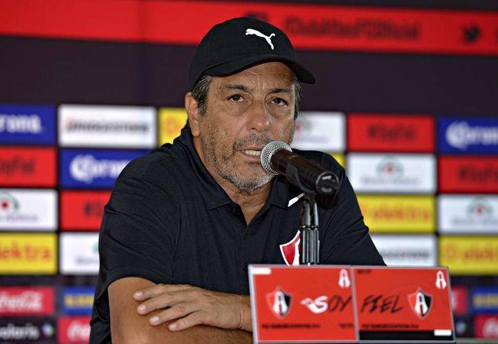 Tomás Boy manifestó que es una locura que el ex árbitro Marco Rodríguez piense ser técnico en un futuro, ya que fue un mal silbante. (Atlas)