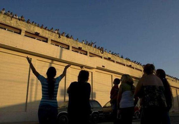 Solamente las cárceles del estado de Guanajuato son reportadas en buenas condiciones. En las otras 31 entidades, hay carencias graves y urgentes. (Archivo/AP)