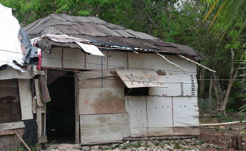 La dirección de Protección Civil estimó que en las rancherías y zonas ejidales existen al menos 100 viviendas endebles. (Julián Miranda/SIPSE)