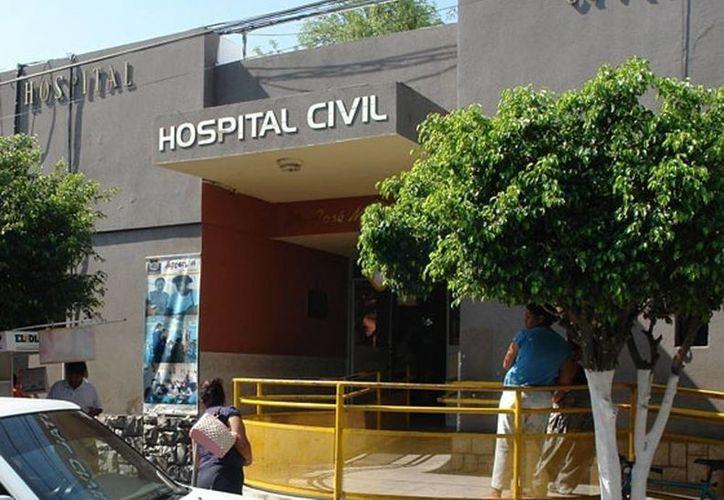 Autoridades estatales y federales resguardaron el hospital Civil luego de la evasión del reo, en Ciudad Victoria, Tamaulipas. (Archivo/Agencias)