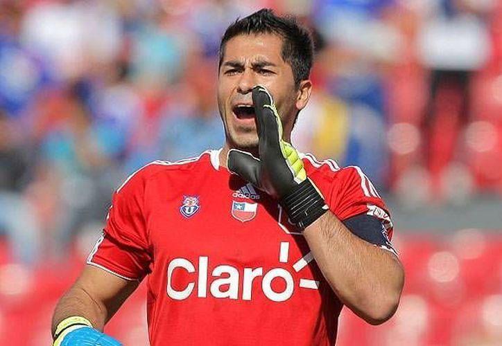 El 'Superboy' Herrera podría ser convocado por el DT de la selección chilena Jorge Sampaoli. En la Imagen Johnny vistiendo la playera de la Universidad de Chile.(Facebook)