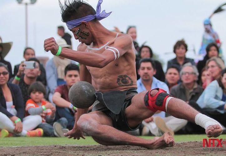 Desde la llegada de los primeros misioneros, el juego de pelota llamó la atención de gente como Fray Bartolomé de las Casas. (Isaías Hernández/Notimex).