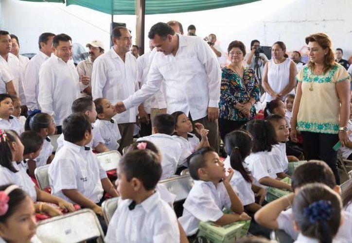 El techo de una cancha de usos múltiples en una escuela primaria de Mérida será entregada por el Gobierno del Estado este miércoles. (Archivo/ Milenio Novedades)