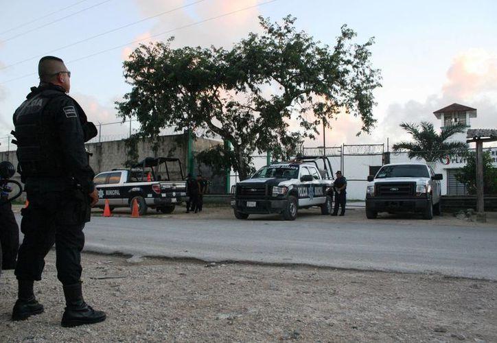 Ocho mujeres se vieron involucradas en un conato de riña en la cárcel de Playa del Carmen esta tarde. (Octavio Martínez/SIPSE)