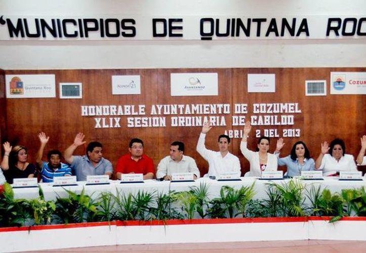 El Cabildo en la cuadragésima novena sesión ordinaria. (Cortesía/SIPSE)