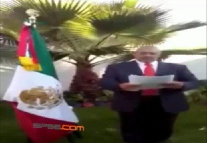 El general Jesús García Miramontes durante la lectura de su declaración. (captura de pantalla del video de YouTube)