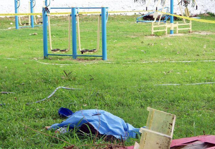 Un jardinero de 74 años falleció por un ataque cardiaco este lunes en un parque de la colonia Obrera. (SIPSE)