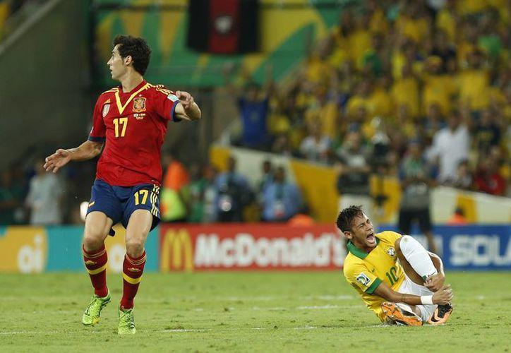 España y Brasil disputan la final de la Copa Confederaciones este domingo. (Agencias)