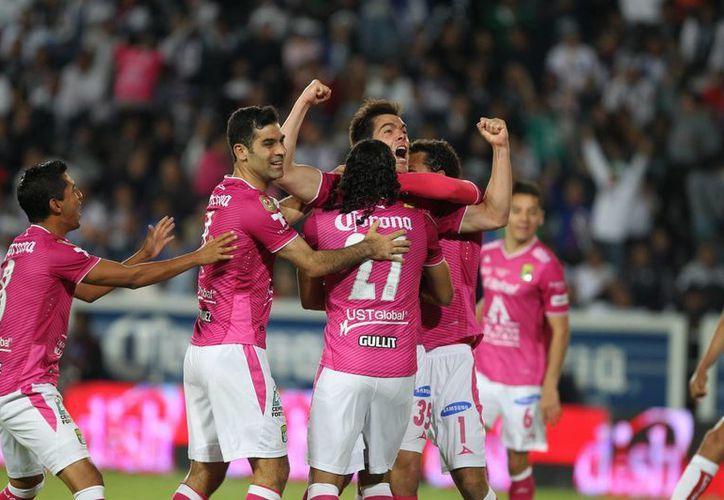 El León uno de los cuatro goles que anotó ante San Isidro Metapán de El Salvador. (EFE)