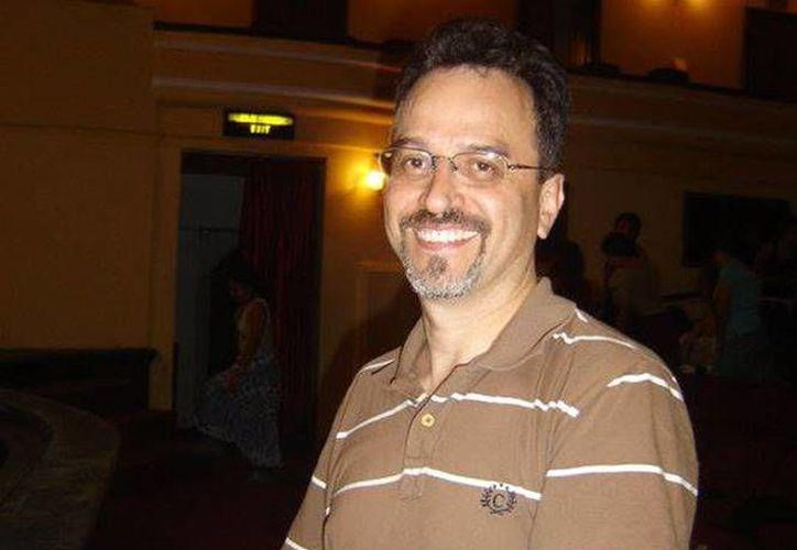 Desde el pasado jueves 13 se ignora el paradero de Luis Fernando Luna Guarneros; viajaría ese día al Distrito Federal. (SIPSE)