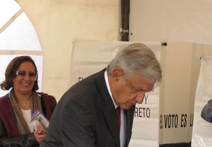 El dirigente de Morena y excandidato presidencial, Andrés Manuel López Obrador, llama a los mexicanos a votar. (Notimex)