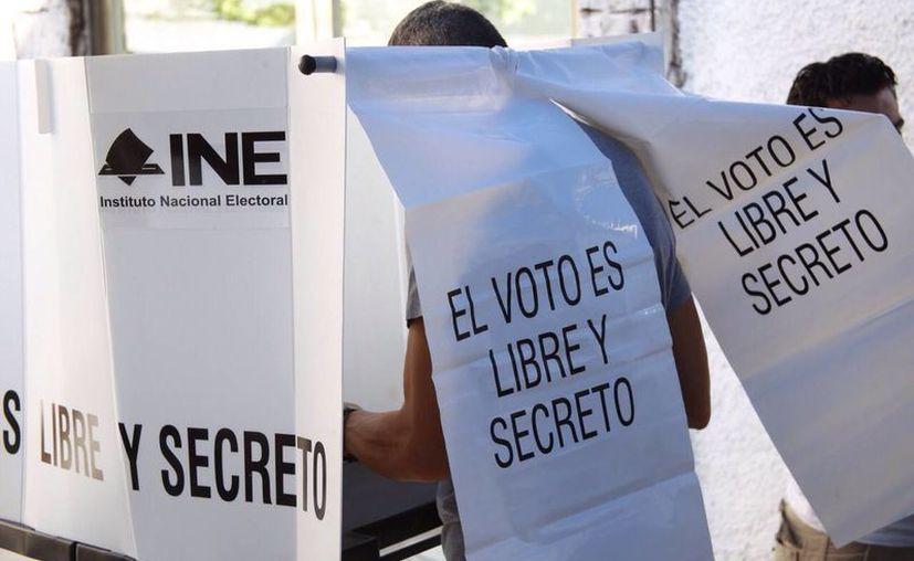 En Cancún se instalaron un total de cuatro casillas especiales. (Israel Leal/SIPSE)
